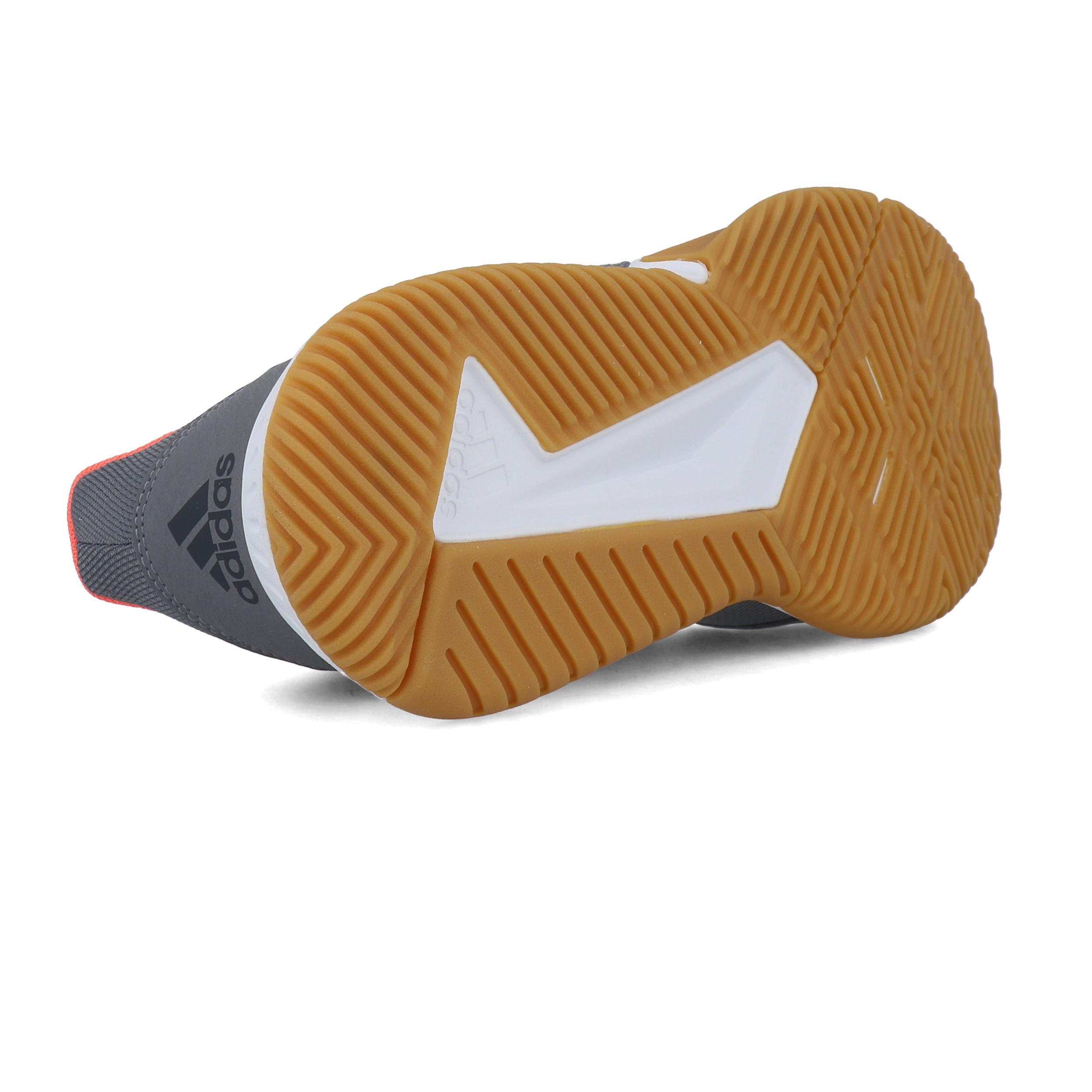 Dettagli su adidas Uomo Essence Scarpe Da Ginnastica Interne Sala Sport Grigio Pallamano