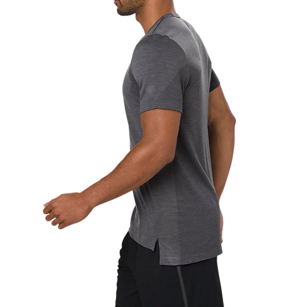 dove comprare incontrare come ordinare Asics Senza cuciture manica corta T-shirt corsa | SportsShoes.com