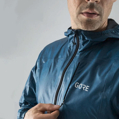 Gore R7 Gore-Tex Hooded Jacket - AW19