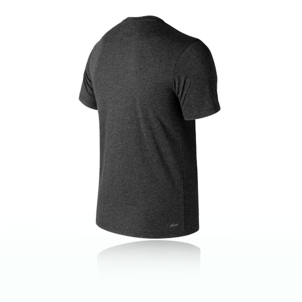 36820c488fe New Balance Heather Tech Hombre Camiseta Top Correr Deportes Casual Negro  Gris