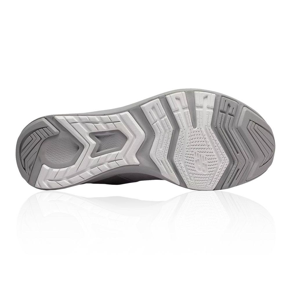 Fitness Gris – New Balance FuelCore NERGIZE femmes chaussures de training Femme Gris