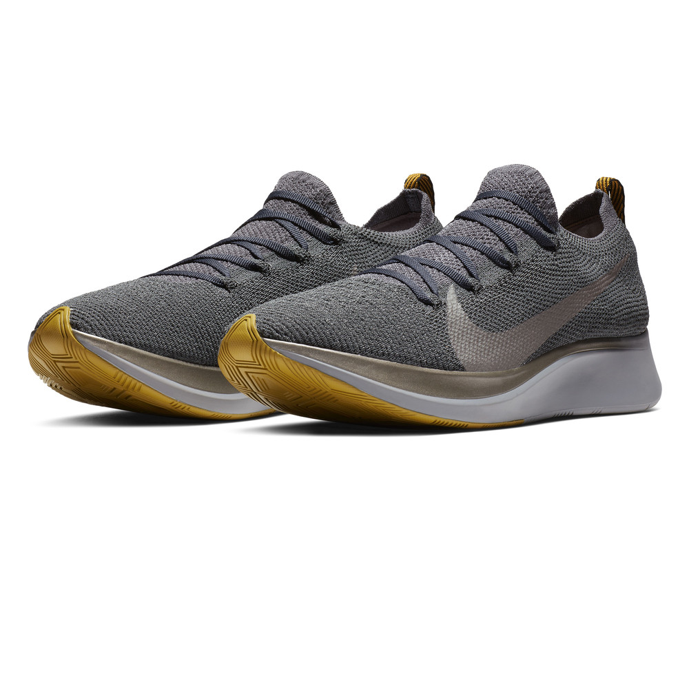 separation shoes 87a5e d9fda Nike Zoom Fly Flyknit chaussures de running - HO18. PVC 160,94 €80,44 € -  PVC 160,94 €