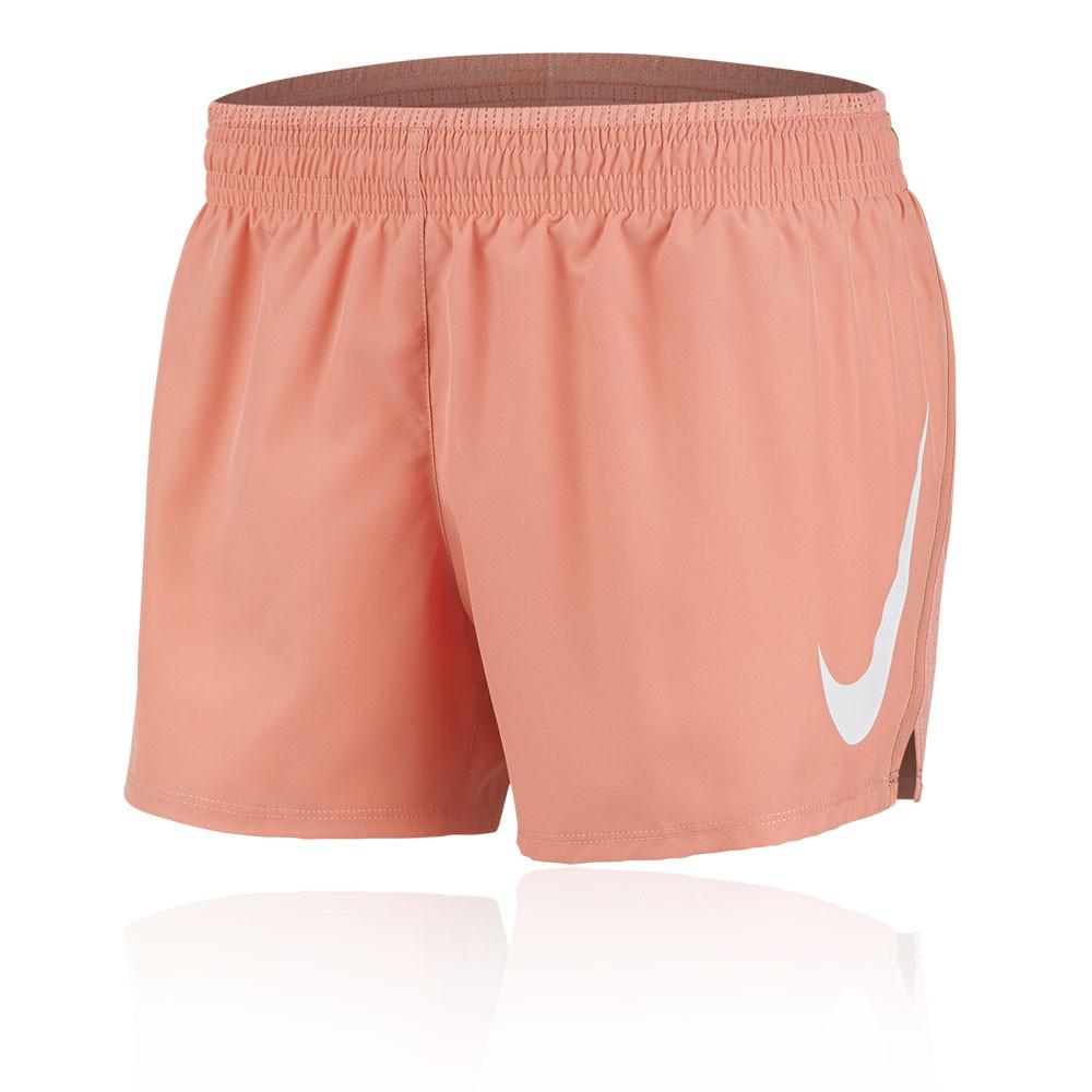 la moitié 7ee57 22e79 Nike Swoosh femmes shorts de running - FA19
