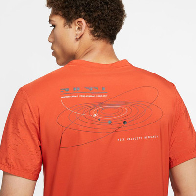 Nike Rise 365 camiseta de running - SP20