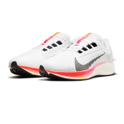 Nike Air Zoom Pegasus 38 FlyEase chaussures de running (4E Width) - FA21