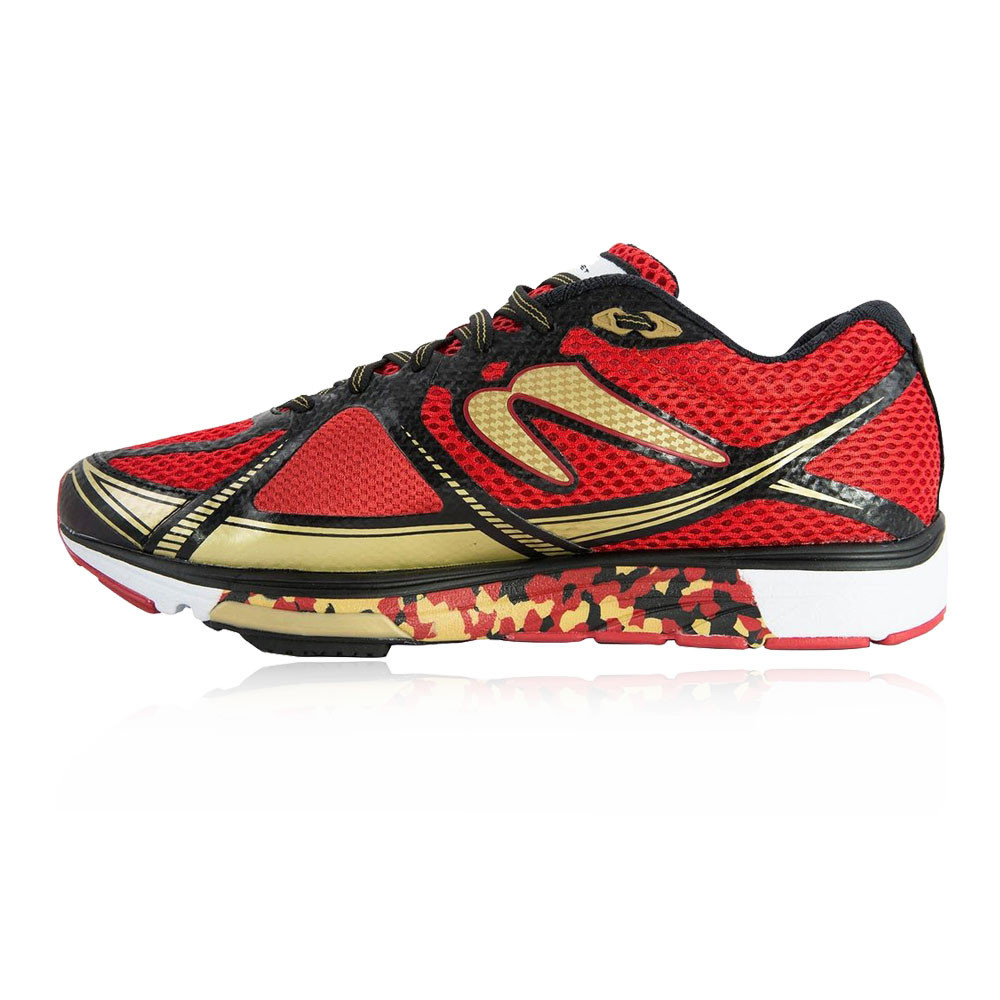 The Newton Women's Gravity 3 Running Shoes are a neutral Mileage Trainer that is built for runners wanting a daily training shoe that can also function brilliantly as a faster tempo pace run or a race shoe. Suitable for race distances ranging from one block to miles.