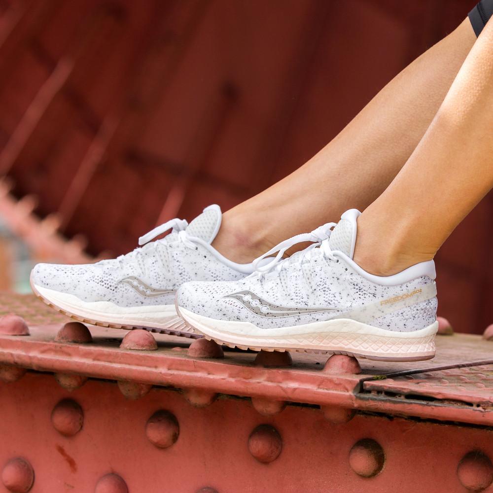 030d10b171 Saucony Freedom ISO 2 para mujer zapatillas de running - 64 ...