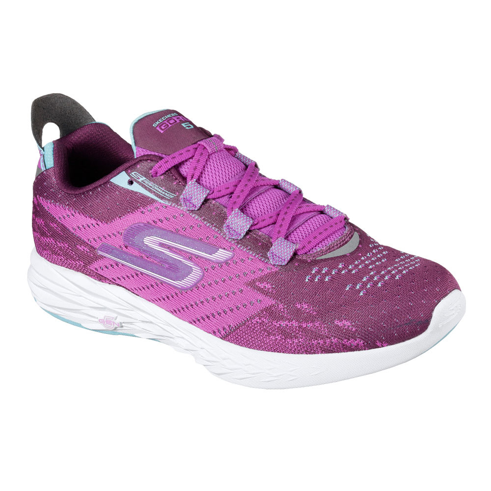 Shoes & boots Skechers Women's Footwear Skechers' lifestyle and performance footwear collections for women deliver on comfort and style across an eclectic assortment of shoes, trainers, slip-ons, sandals, boots and more.