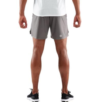 SKINS Activewear Nore 5 pulgada pantalones cortos