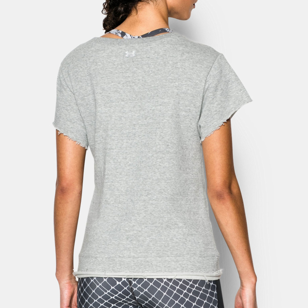 Under armour women 39 s boxy studio crew t shirt for Do under armour shirts run small